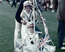 a still from [Horley Coronation Fete (1953)