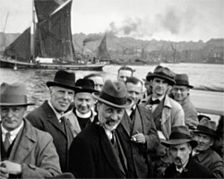 A still [A Guild outing to London's Docks and Greenwich] (1934)