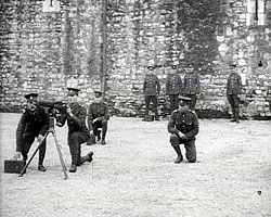 A still from The 5th Battalion Royal Sussex Regiment at the Tower of London (1915)