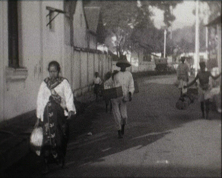 A still from Java Tour. Christmas 1929. Batavia to Soerabaya en Voiture (1929)