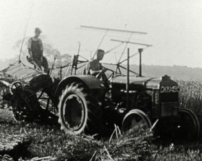 A still from [Harvest Scenes] (1944)