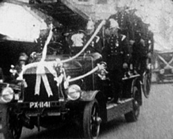 A still from A Fireman�s Wedding (1920s)