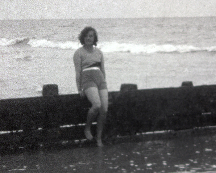 A still from [Beach Cabin] (1920s)